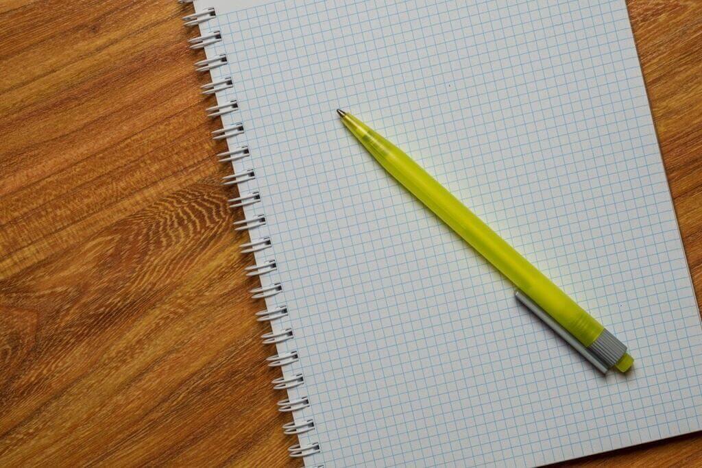 carnet et crayon brevet 2020